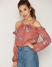 NLY Trend Open Frill Blouse