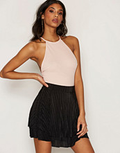 NLY One Svart Pleated Frill skirt