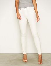New Look White Ripped Knee Fray Hem Skinny Jeans