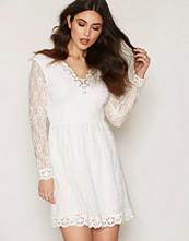 Dry Lake White True Love Sleeve Dress