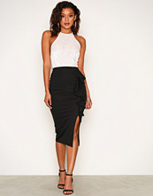 NLY One Svart Frill Slit Skirt