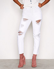 New Look White Ripped Tori Mom Jeans