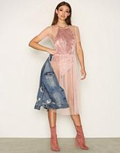 Glamorous Flow Midi Dress