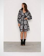 Replay Black/White W9334 000 71242 Dress