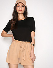 NLY Trend Beige Dressed Tie Shorts