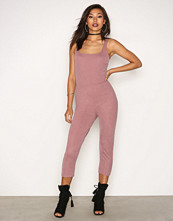 NLY Trend Dark Rose Bodyshape Catsuit