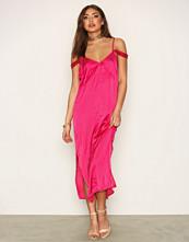NLY Trend Fashionista Slip Dress