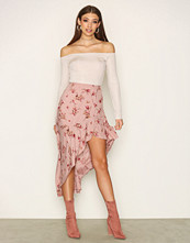 NLY Trend Rosa Bring The Wind Skirt