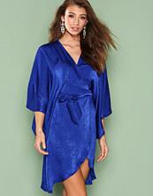 NLY One Wrap Kimono Midi Dress
