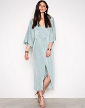 NLY Trend Kimono Wrap Dress