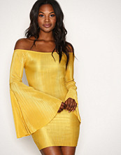 New Look Yellow Pleated Flared Sleeve Bodycon Dress