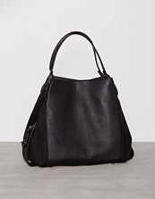 Coach Svart Edie 42 Shoulder Bag