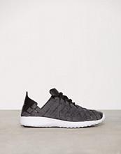 Nike Svart Juvenate Woven PRM