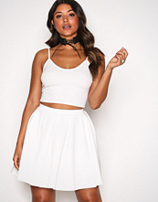 NLY One Hvit Pleated Mini Skirt