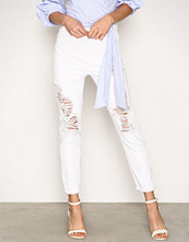 New Look White Ripped Mom Jeans