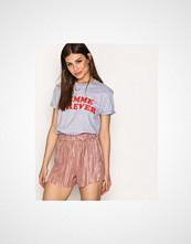 NLY Trend Rose Plissé Shorts