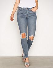 New Look Blue Ripped Knee Fray Hem Skinny Jenna Jeans