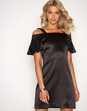 Closet Black Off-the-shoulder Strap Dress