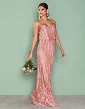 NLY Eve Rose Pretty Pleats Gown