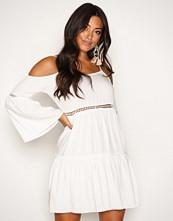 Glamorous White Flounce Dress