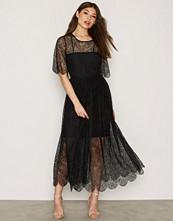 Y.a.s Svart Yasamina Dress