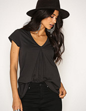 Odd Molly Almost Black Pick Up S/S Top
