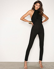 NLY One Svart Frill Neck Jumpsuit