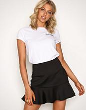 NLY Trend Svart Frill Flirty Skirt