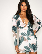 Missguided Pink Floral Long Sleeve Knot Shift Dress