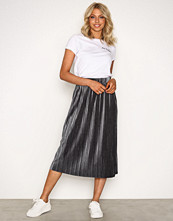 NLY Trend Grå Pleated Velvet Skirt