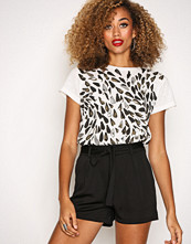 Missguided Black Tie Waist Detail Crepe Tailored Shorts