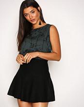 Vero Moda Svart Vmfresno Short Knit Skirt Noos