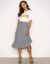 NLY Trend Svart/Hvit Frill Check Skirt