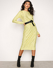 NLY Trend Lime Pleated Midi Dress