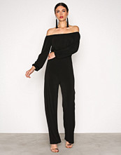 NLY One Svart Off Shoulder Jumpsuit
