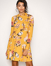 NLY Trend Gul Print Swing Dress