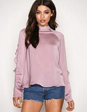 NLY Trend Rosa Flounce Sleeve Blouse