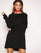 NLY Trend Svart Long Open Back Sweat