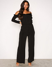 NLY One Svart Cold Shoulder Jumpsuit