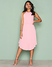 NLY Eve Rosa Lace Midi Gown