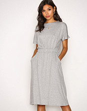 Vila Lys grå Vifoma S/S Dress