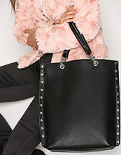 NLY Accessories Svart Studded Chain Tote