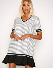 Sisters Point White/Black Cister Dress