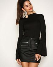 NLY Trend Svart Desire Skirt