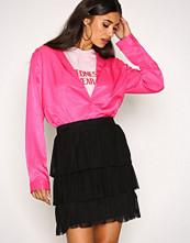 NLY Trend Svart Mesh Flounce Skirt
