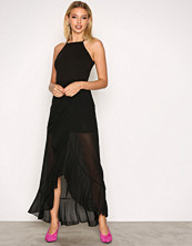 Missguided Black 90's Neck Frill Maxi Dres
