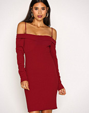 NLY Trend Burgundy Shoulder Bustier Dress