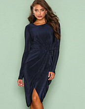 NLY Trend Navy Padded Pleated Dress