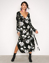 Moves Black Harlene Dress