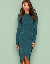 NLY Trend Mørk grønn Padded Pleated Dress